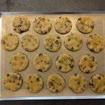Placer vos cookies sur une plaque et cuire 10 à 15 min