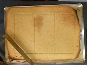 Découpe de 3 des 4 biscuits