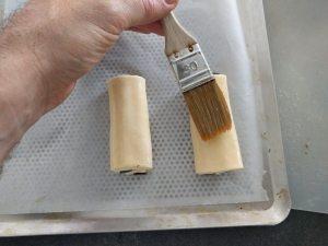 Dorer légèrement les pains au chocolat