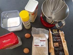 Préparer tous les ingrédients pour cette recette de gâteau au chocolat facile