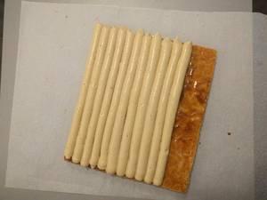 Déposer une couche régulière de crème mousseline