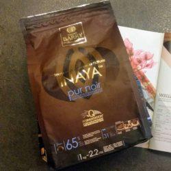 Pour un moelleux au chocolat peu sucré, mais avec un goût de chocolat bien présent : testez l'INAYA de Cacao Barry