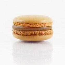Macaron chocolat / fruit de la passion