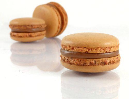 Macaron chocolat au lait fruit de la passion