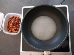 faire bouillir le sucre et l'eau
