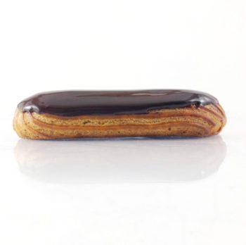 Éclair au chocolat traditionnel