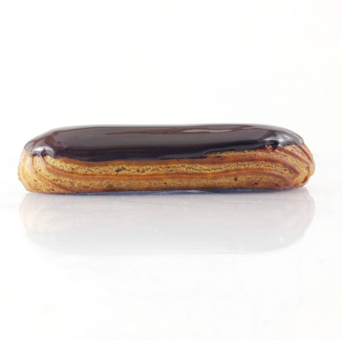 Éclair au chocolat traditionnel