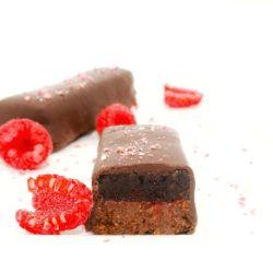recette de la barre chocolatée praliné noir framboise