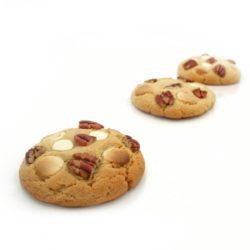 Recette de cookies au beurre de cacahuètes, chocolat blanc et noix de pécan