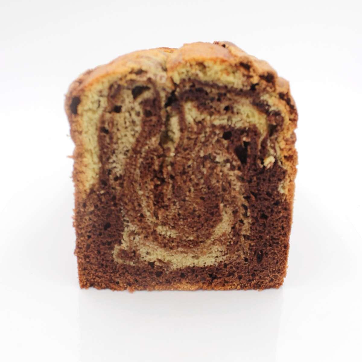 Photo en coupe de ce gâteau marbré au chocolat vanille