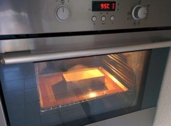 Cuire votre cheesecake à four faible (90-95°C) entre 1h30 et 3h suivant la taille du cheesecake