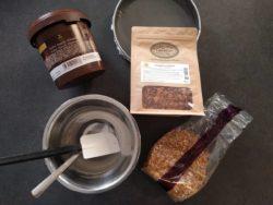 Préparer tous les ingrédients pour votre base de biscuit croustillant pour fond de gateau et entremet