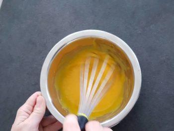 Blanchir les jaunes avec le sucre