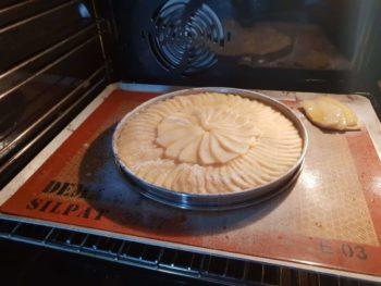 Faire la première partie de la cuisson comme une tarte normale