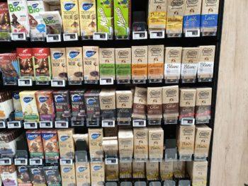 """Le chocolat de supermarché, même dit """"Pâtissier"""" n'est pas compatible avec la réalisation de ganaches, mousses , glaçage, enrobage de bonbons, car il ne contient pas assez de beurre de cacao"""