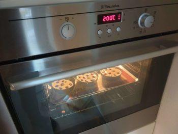 Cuire votre clafoutis aux cerises une quarantaine de minutes à ~200°C