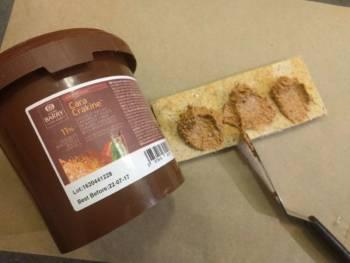 Il existe des alternatives toute faite, comme le Cara Crakine ou le Pralin Feuillatine de Cacao Barry