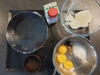Préparer tous les ingrédients pour ce crémeux cheesecake