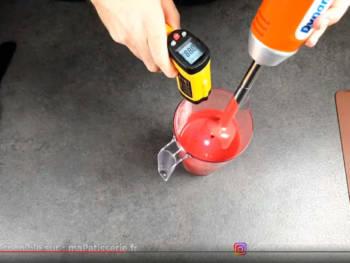 Controler la température (~ 30°C) et la texture à l'aide d'une spatule