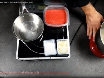 Mettre à monter à vitesse réduire la crème froide dans un bol froid