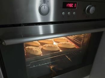 Cuire à peine 20 min à environ 175-180°C.