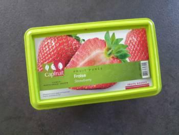 Pour cette recette de glace à la fraise, j'utilise de la purée de fraise de qualité de chez Capfruit